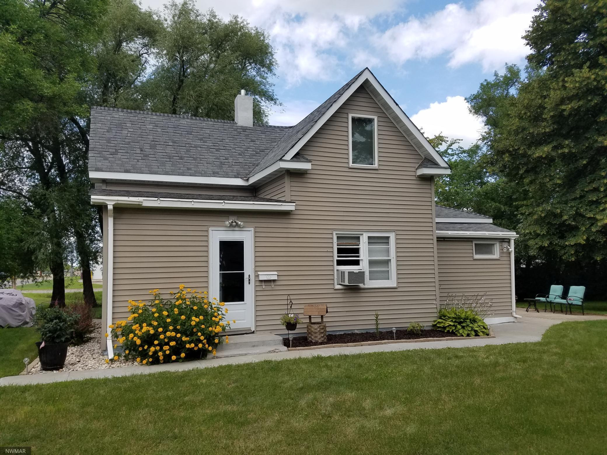 1014 Horace Avenue N, Thief River Falls, MN 56701