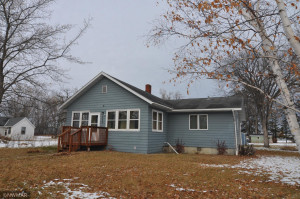 505 Lake Street NW, Warroad, MN 56763
