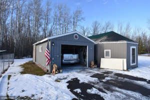 307 6th Avenue SW, Warroad, MN 56763