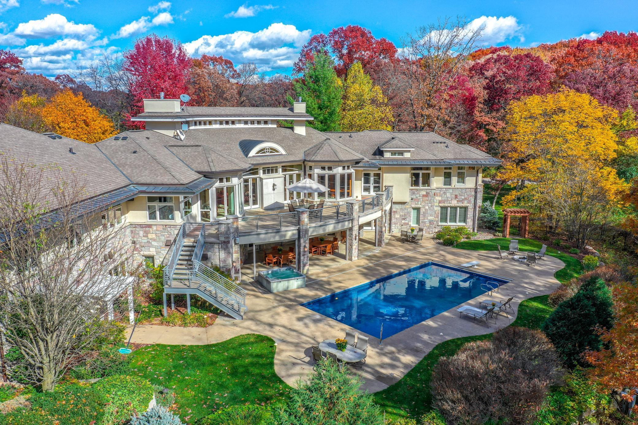"""Click on """"Virtual Tour"""" link to view Live Video of this home!"""
