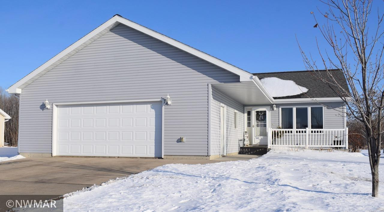 928 Spruce Avenue S, Thief River Falls, MN 56701