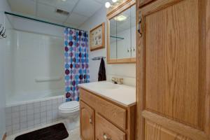 810 Robert Ave N Maple Lake-12-web-Bathroom