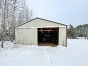 Pole Barn with frontage on County maintained road