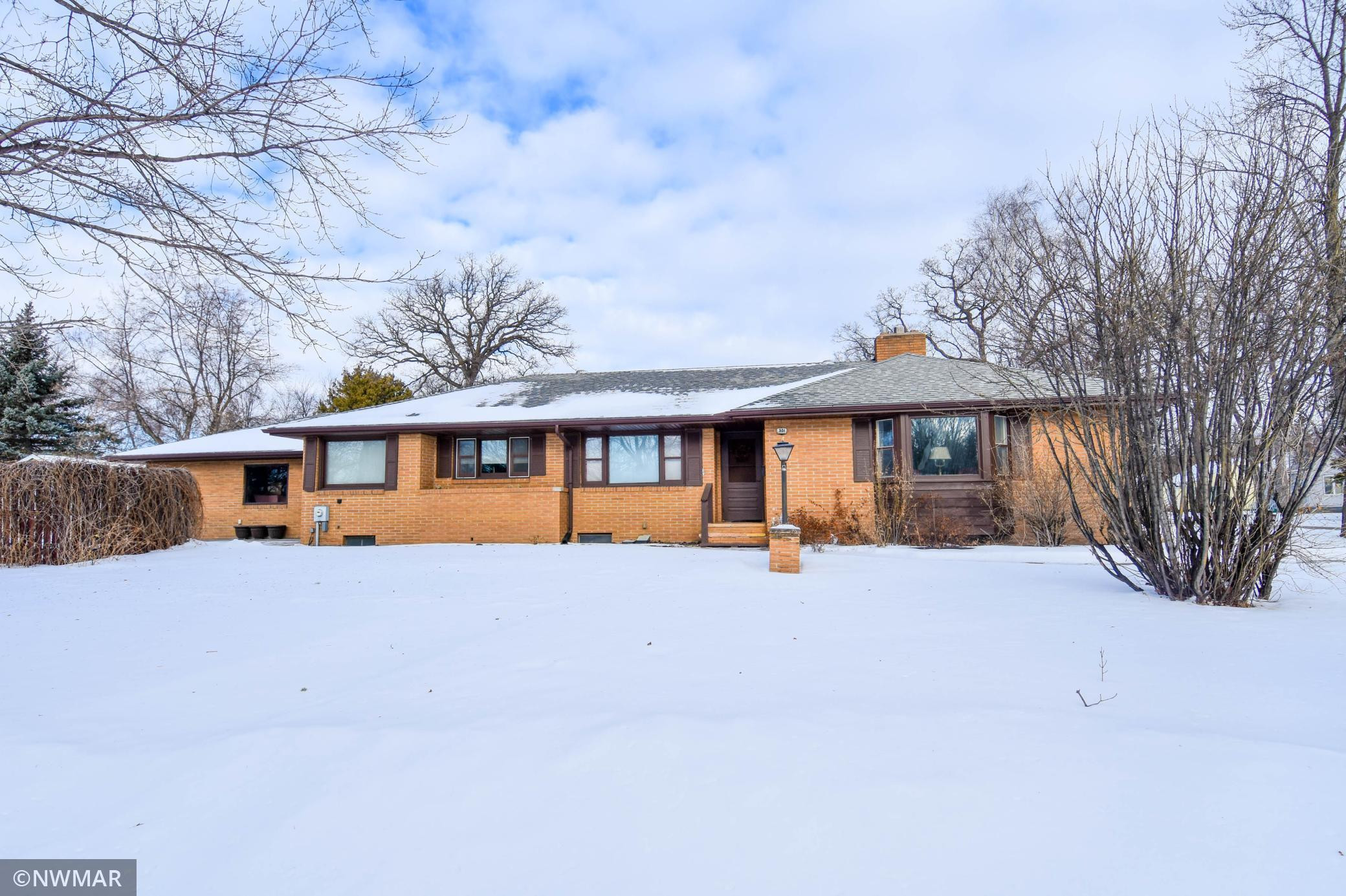 301 Kendall Avenue N, Thief River Falls, MN 56701
