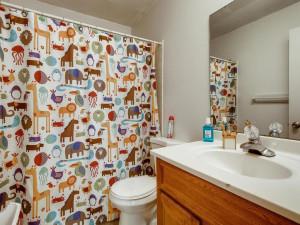 1356 Circle Terrace Boulevard-018-018-2nd Floor Bathroom-MLS_Size