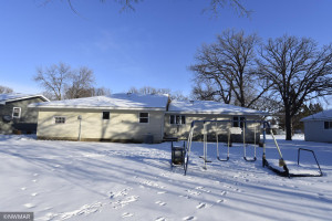 1305 Arnold Avenue N, Thief River Falls, MN 56701