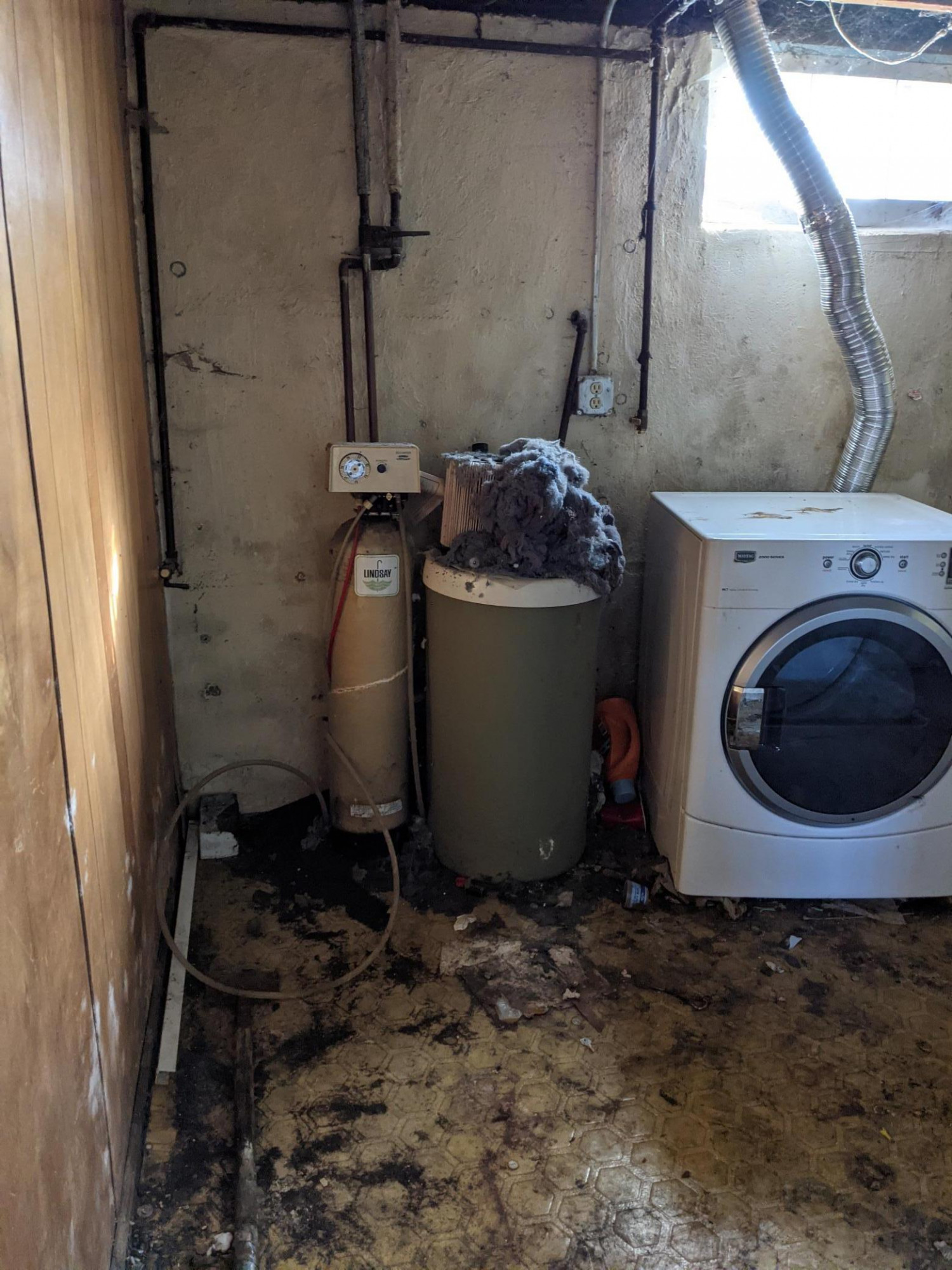 Laundry room – appliances probably do not work