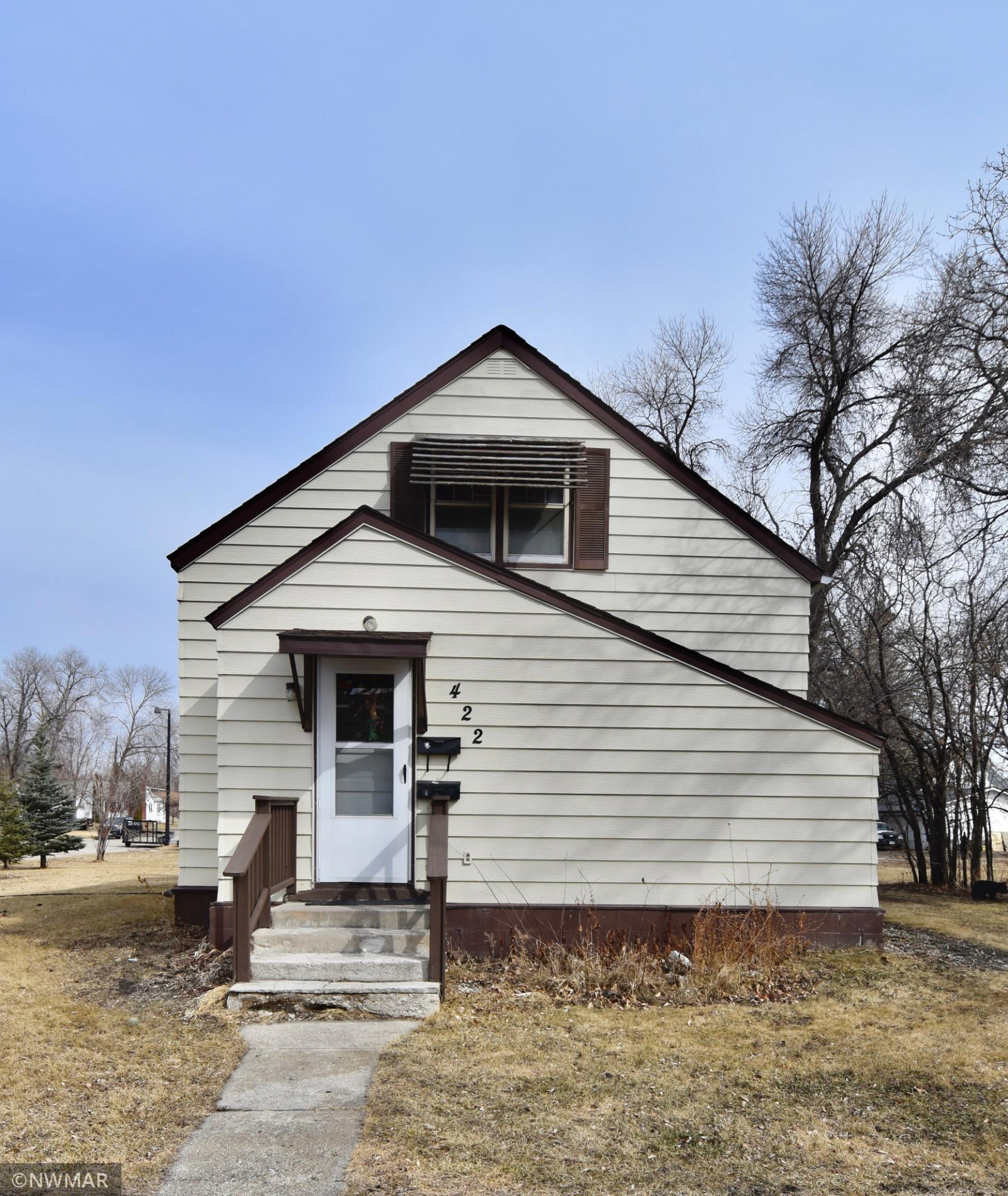 422 State Avenue N, Thief River Falls, MN 56701
