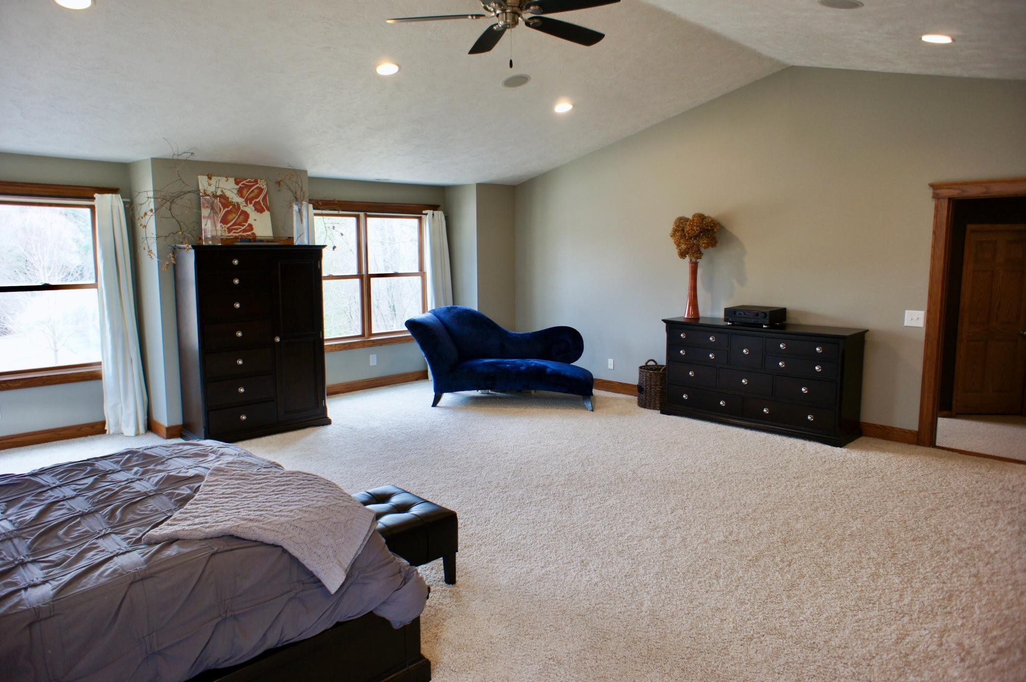Yes, even a 3rd angle to show just how large this bedroom is.