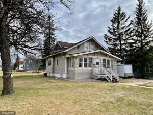 308 3rd Street NE, Roseau, MN 56751