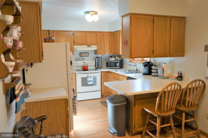 409 4th Avenue NE, Roseau, MN 56751