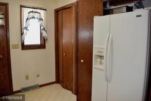 420 Sherwood Avenue S, Thief River Falls, MN 56701
