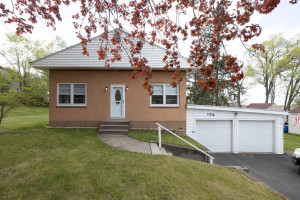 134 Burnside Avenue S, Red Wing, MN 55066