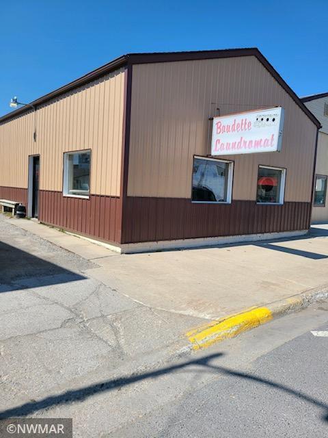 105 Main Avenue S, Baudette, MN 56623