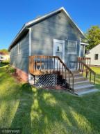 314 Roberts Avenue NE, Warroad, MN 56763