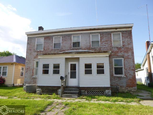1323 Avenue E, Fort Madison, IA 52627