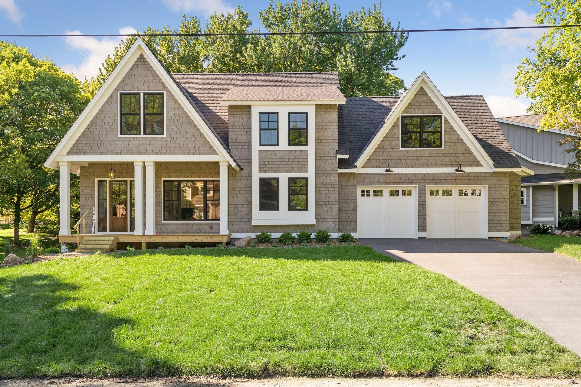 Impressive New Construction in Cottagewood