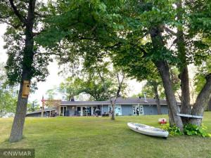324 Sherwood Avenue S, Thief River Falls, MN 56701