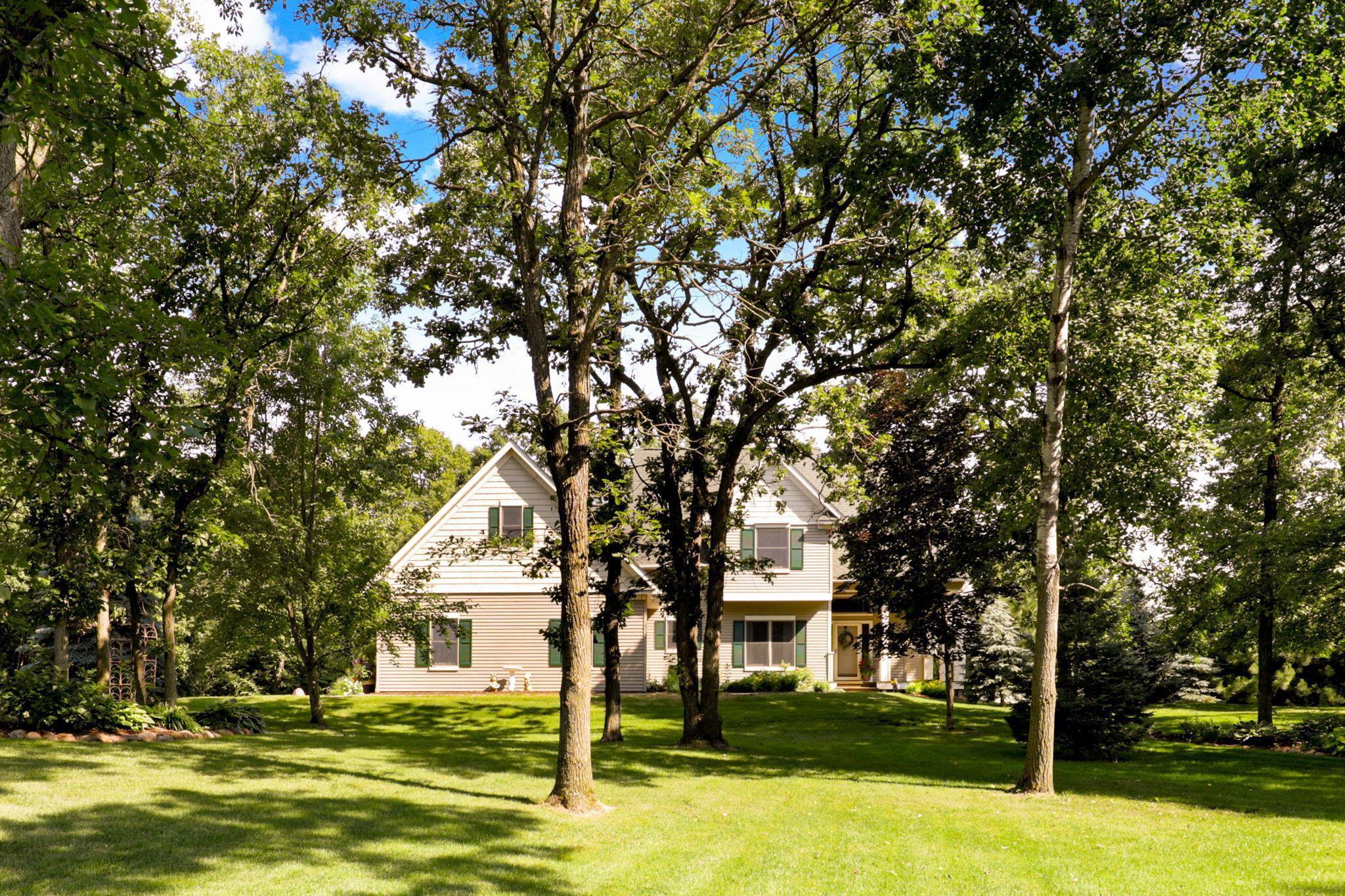 666 Hillary Farm Road, Hudson, WI 54016