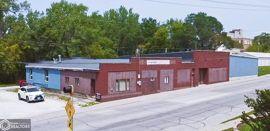 122 E Rocksylvania Avenue, Iowa Falls, IA 50126