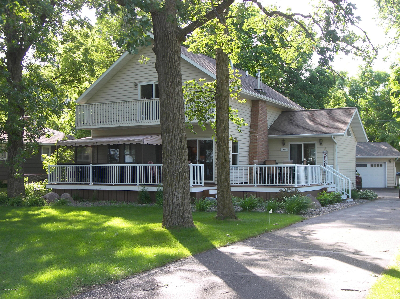 996 W Lake Drive, Detroit Lakes, MN 56501