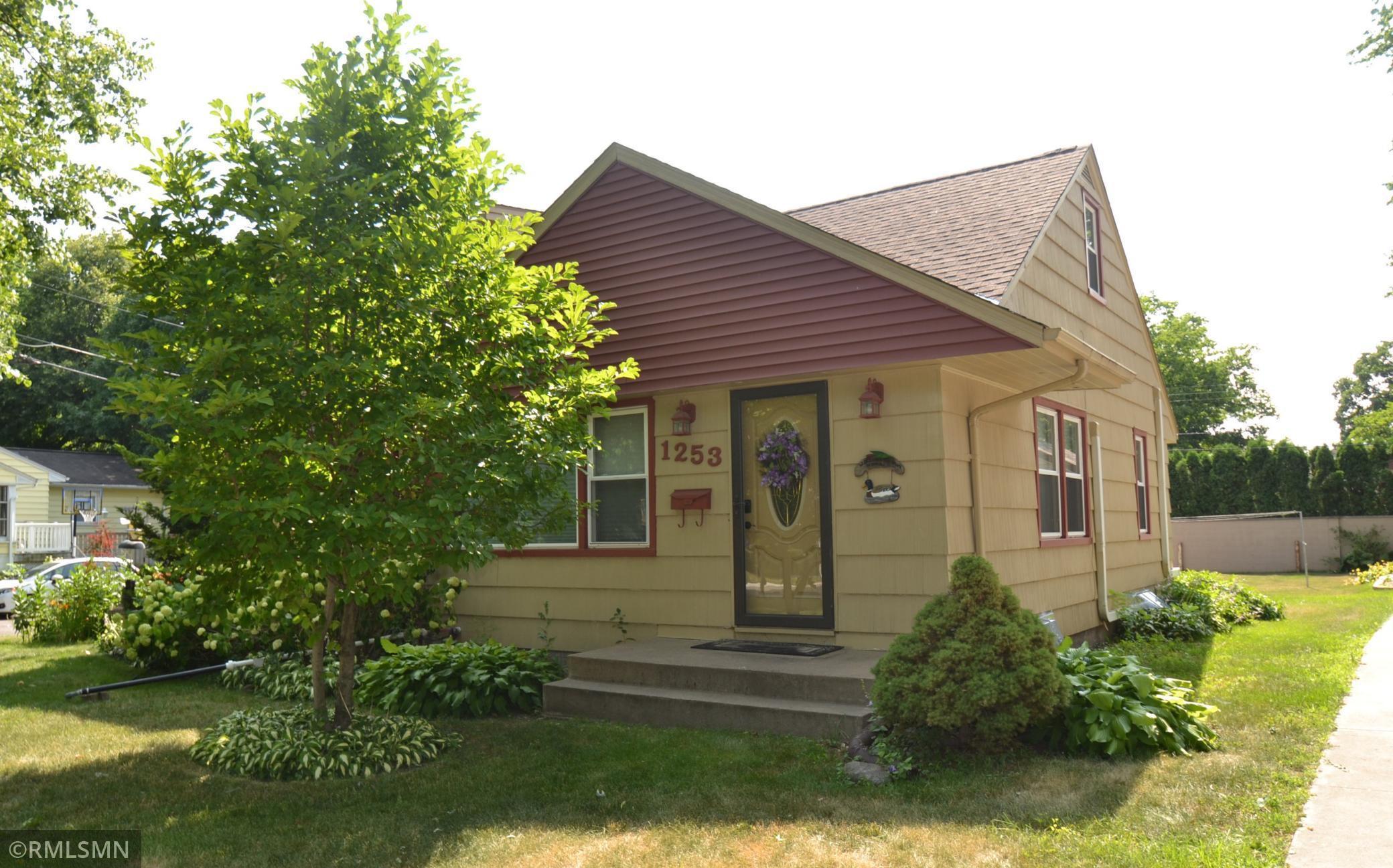 1253 Cleveland Avenue S, Saint Paul, MN 55116
