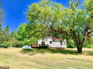 26924 600th Ave, Warroad, MN 56763