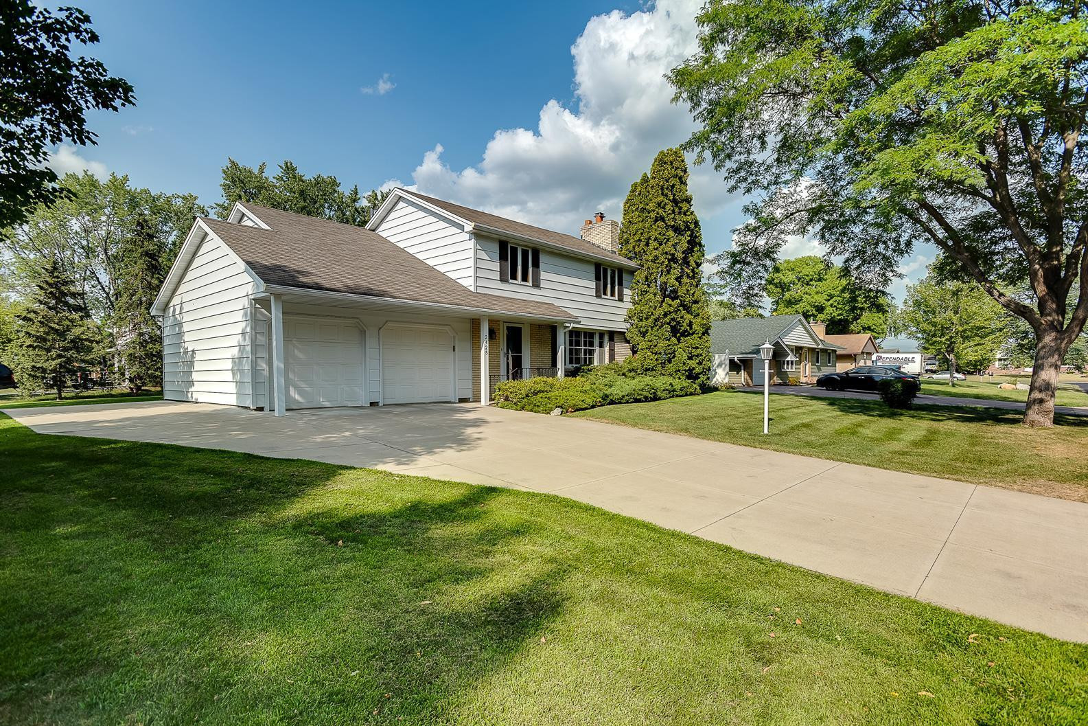 Welcome HOME to 2425 118th Ave NW in Coon Rapids! This turn-key home is ready for YOU!