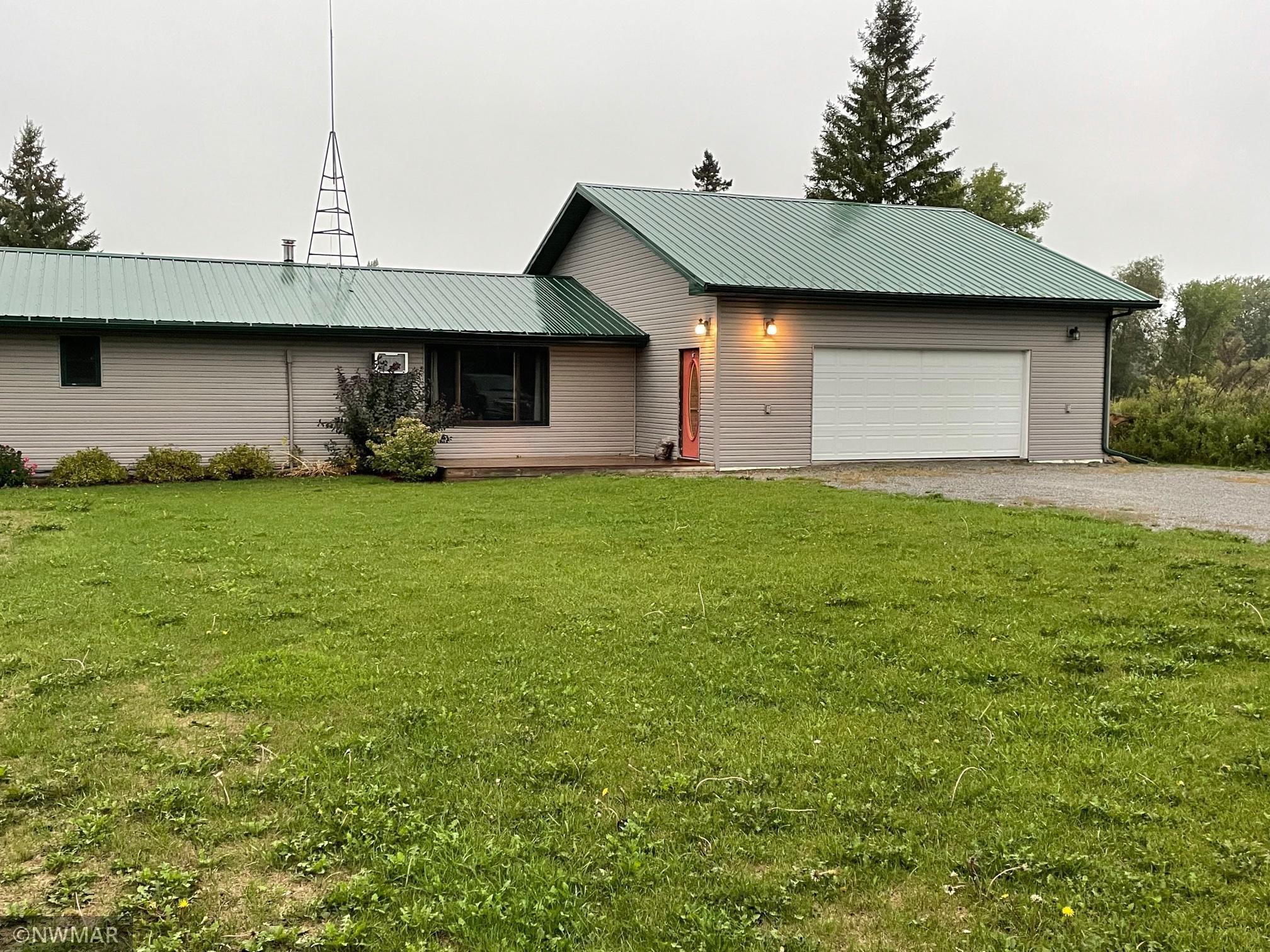 147 Lakeview Drive, Warroad, MN 56763