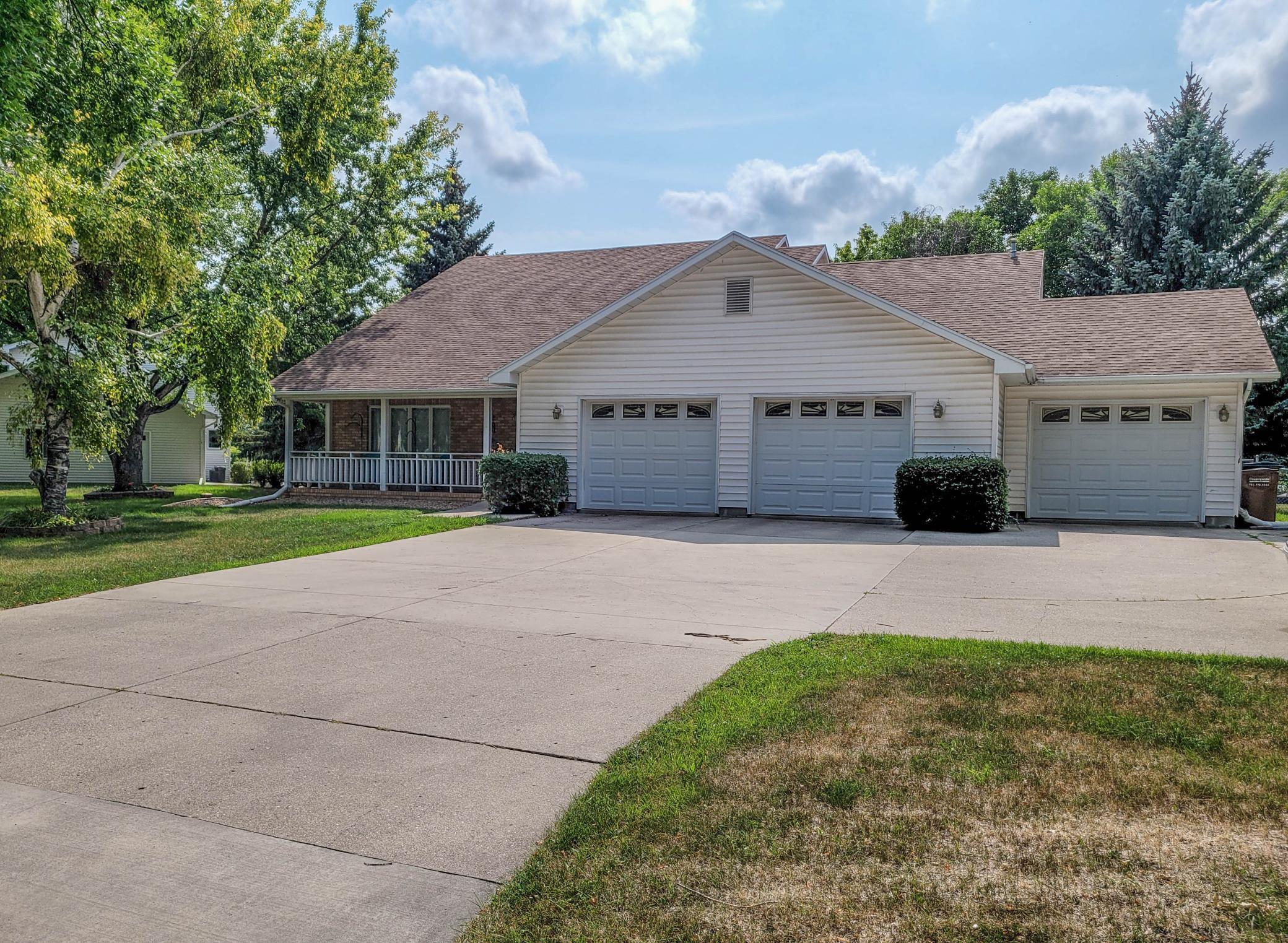606 Bygland Road SE, East Grand Forks, MN 56721