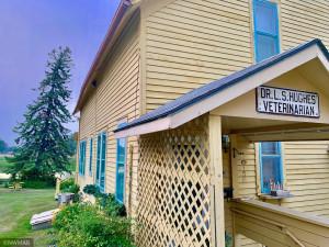 106 Dale Avenue SW, Warroad, MN 56763