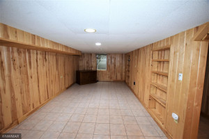 706 Center Street E, Roseau, MN 56751