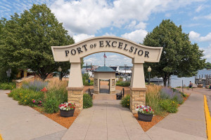 Perfectly located close to the charming Village of Excelsior and all the conveniences of Chanhassen's parks, schools, shopping, dining and more!