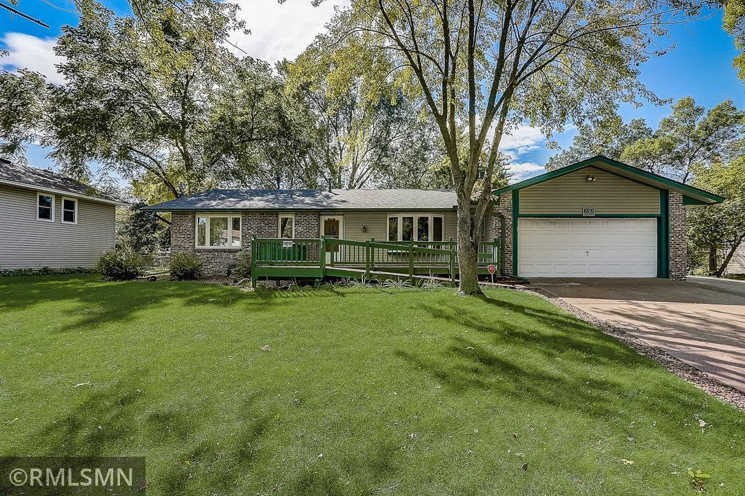 10216 Raven Street NW, Coon Rapids, MN 55433