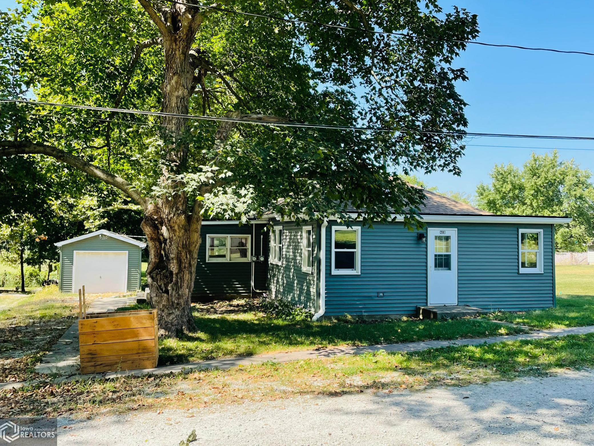 413 N Van Buren Street, Mount Pleasant, IA 52641
