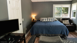 The Upper Bedroom is Large Enough to easily accomodate Working From Home