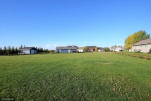 622 Etta Court, Roseau, MN 56751