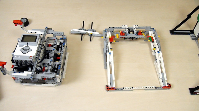 Image for Improving FLL Robot Game. Scissors mechanism for Lifting