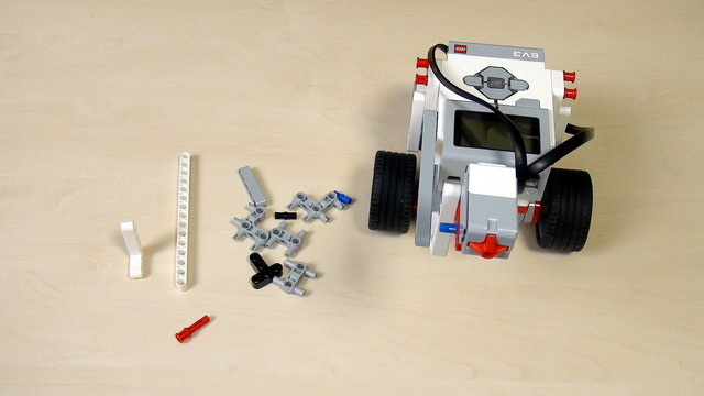 Image for EV3 Phi. Teacher's Note. Extend a construction by changing the plane of building