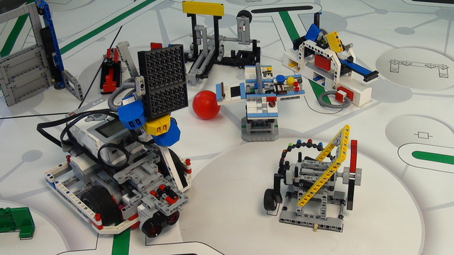 Image for One attachment for Solving FIRST LEGO League 2014 World Class missions - part 1
