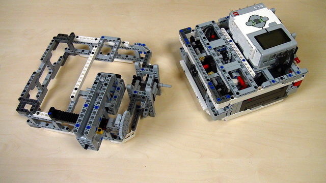 Image for Box Robot Two. Push/Pull attachment with a Rack on the right side
