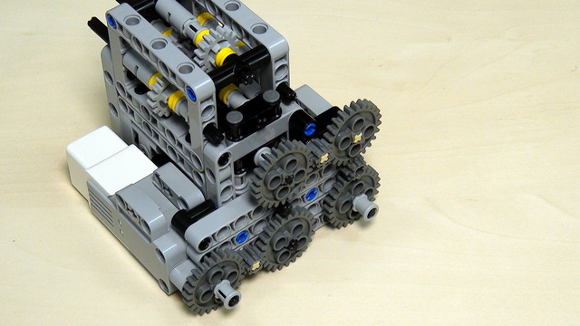 Image for Multi-axles, many-directional LEGO Mindstorms mechanism for transferring power (almost a gear box). Part 1