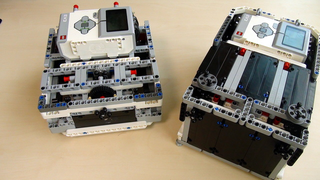 Image for Box Robot Two. Cable management and accessibility of the LEGO Mindstorms EV3 brick