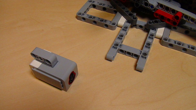 Image for How to calibrate the Light Sensor for the Catapult build from Mindstorms EV3/NXT