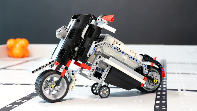 Image for How does the Shotgun Motorcycle LEGO Mindstorms EV3 robot work?