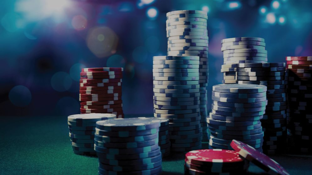 What Should You Look for in an Online Casino? (2 Videos)