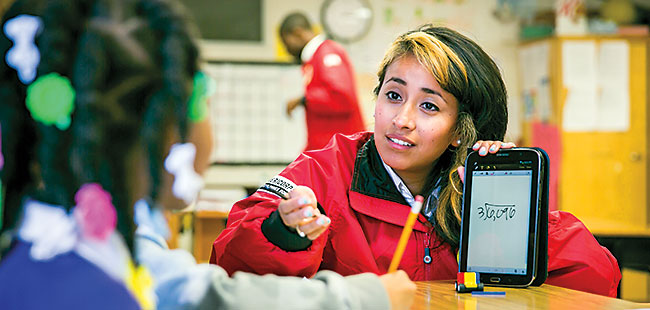 College grads working for City Year help K-12 students in Florida