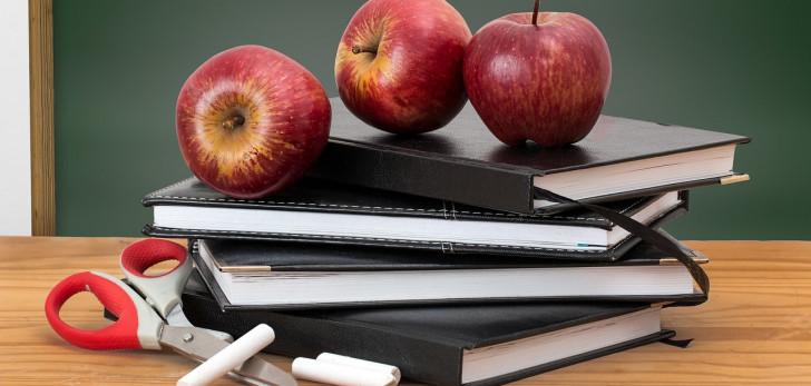 Florida asks judge to toss lawsuit over teacher bonuses