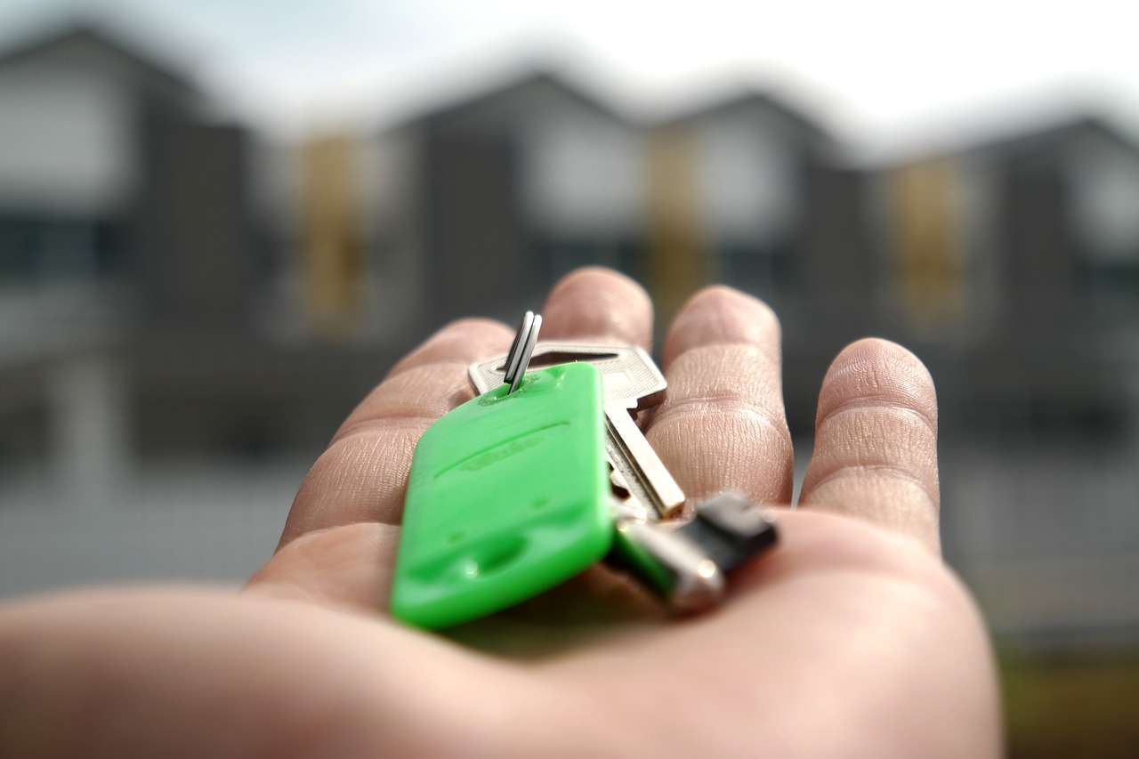 Florida bucks national trend, home sales jump 11% in September