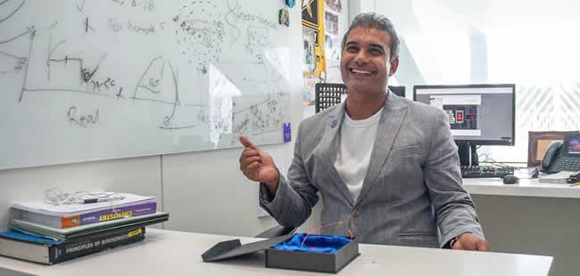 Nanotechnology for disease diagnosis and treatment earns Florida Poly professor international award